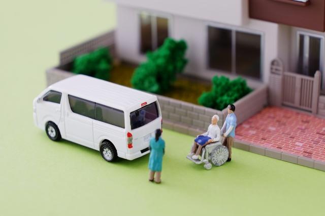 介護タクシーは個人での開業も可能