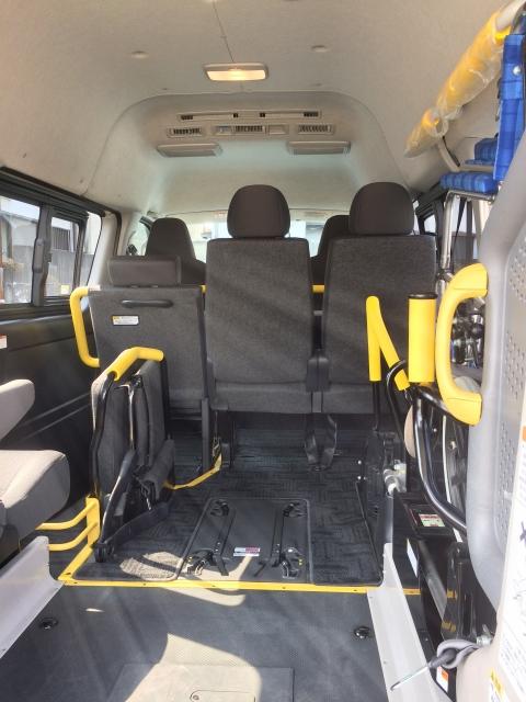 リース車を介護タクシーとして使用
